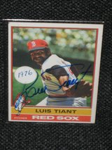 1976 Topps Luis Tiant Autographed Baseball Card in Spangdahlem, Germany