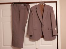 Mens 2 pc Suit in Fort Riley, Kansas
