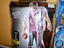 Halloween zombie football Player costume l-xl in Glendale Heights, Illinois